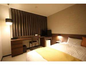 北ホテル:ワイドシングル【セミダブル】(3~5階)ダークブラウンをベースにしたお部屋になります。