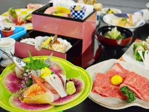 須賀谷温泉:月替わりで旬の食材を取り入れた会席料理をご用意いたします。