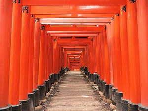 ホテル京阪 京都 グランデ:【伏見稲荷神社】千本鳥居です。ホテルから伏見稲荷神社まで約20分♪
