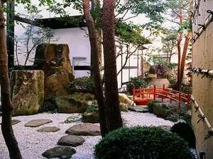 お宿 山久(やまきゅう):古都の風情ある中庭を眺めながら、ゆったりとお過ごしください