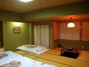 ホテル鶴:和室4名部屋