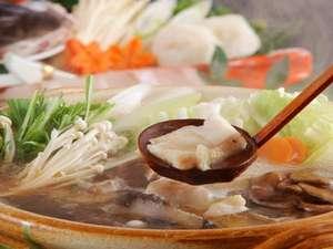 【夕食】九絵(くえ)大鍋。