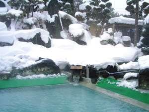 花見屋旅館:*【庭園露天風呂(冬)】冬の醍醐味!雪見露天にうっとり♪