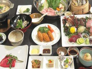 赤穂ロイヤルホテル:2016牡蠣会席B 伊勢海老と鮑の造りはお一人様当たり1~2切れで大皿盛り。鍋は大鍋で人数盛りです。