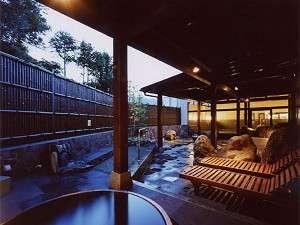 有田川温泉 鮎茶屋 ホテルサンシャイン:有田川温泉光の湯 露天風 肌ざわりの良い良質の温泉
