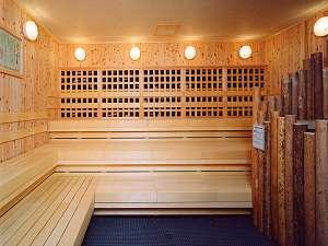 有田川温泉 鮎茶屋 ホテルサンシャイン:紀州ウバメガシの備長炭を壁に敷き詰めた加湿型サウナ