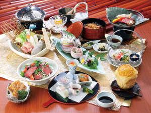 有田川温泉 鮎茶屋 ホテルサンシャイン:有田の恵みをふんだんに使った『グルメ会席料理』