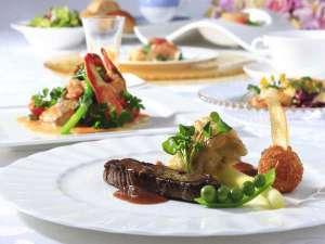 ガーデンテラス長崎 ホテル&リゾート:長崎牛フィレ肉のステーキ きのこソース(例)