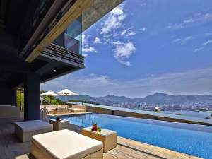 ガーデンテラス長崎 ホテル&リゾート:プールサイド