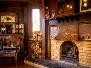 松本楼洋風旅館 ぴのん:◆暖炉◆冬はロビーで暖かくお客様をお迎えいたします。