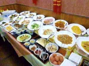 ホテルわこう:朝食バイキング。本格中華を始め、和・洋と種類も豊富。