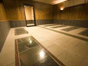 北天の丘 あばしり湖鶴雅リゾート:岩盤浴/男女それぞれに、無料でご利用いただける岩盤浴がございます!