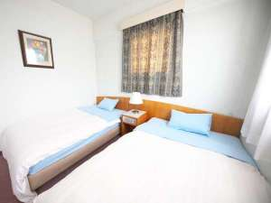 時津ヤスダオーシャンホテル:【ツイン】ツインルームは全4室。お二人でご旅行のお客様も、旅の中継地点としてご利用ください。