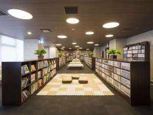 姫路キヤッスルグランヴィリオホテル ルートインホテルズ:<コミックコーナー> 総冊数:16,150冊(内、コミック:15,600冊)の漫画、絵本を揃えたコーナーです。