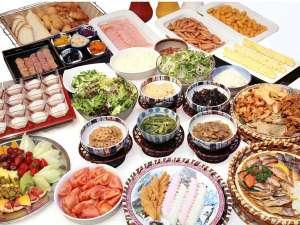 ホテルニュータナカ:地元の食材、手作りの料理。品数も豊富な和洋メニューの朝食バイキング