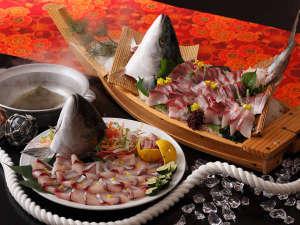 大江戸温泉物語 山代温泉 加賀の本陣 山下家:1月9日(火)~2月28日(水)の期間は冬の北陸大漁祭りを開催!旬の鰤を贅沢にご堪能頂けます。