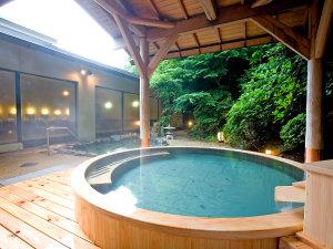 湯本富士屋ホテル:檜造りの女性用露天風呂
