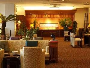 松島温泉 元湯 ホテル海風土:アジアンテイストな雰囲気漂うロビー