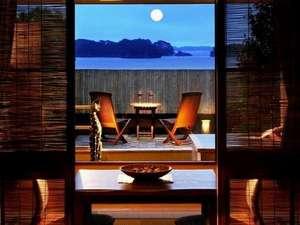 松島温泉 元湯 ホテル海風土:露天風呂付き客室。くつろぎのツインローベッドでゆっくりお休みください。