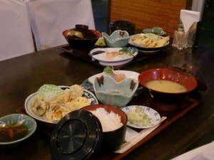 小浜温泉 小浜ビジネスホテル:地元で仕入れた食材による栄養バランスのとれた手作り料理でおもてなし