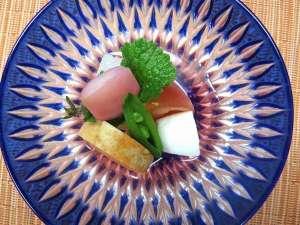 静響の宿 山水:吉野桜の特製酢の物