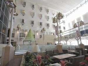 吉祥寺第一ホテル:アトリウムラウンジからの客室