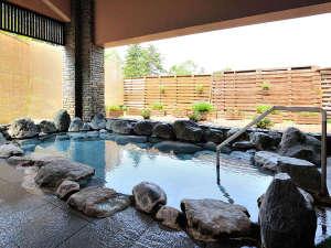 旭岳温泉 ホテルベアモンテ:【石の湯】露天風呂 源泉100%かけ流し山の天然温泉です。