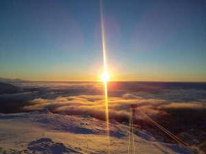 旭岳温泉 ホテルベアモンテ:【冬】神秘的なサンピラー(光の柱)をみる事が出来るのも冬ならでは。