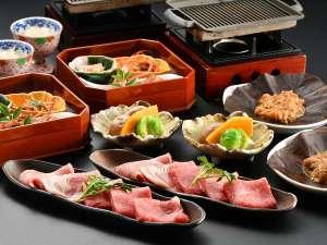 【夕食一例】飛騨牛と飛騨豚の朴葉味噌焼き(イメージ)