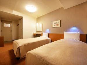 盛岡シティホテル:【ツインルーム】17平米/ベッド幅100cm×2台のお部屋。ご家族やご友人と。