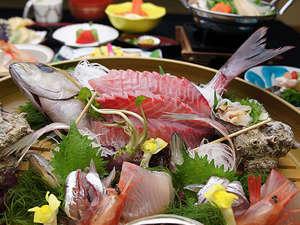 湯河原温泉 ホテル東横:お刺身の桶盛りプラン料理イメージ