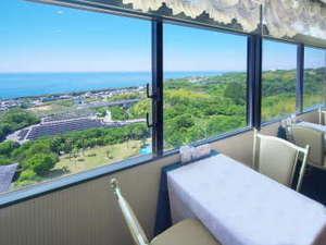 土佐ロイヤルホテル:【朝食会場イメージ】雄大な太平洋を目の前にしたカウンターのお席で一日のスタート!(都合により変更有)