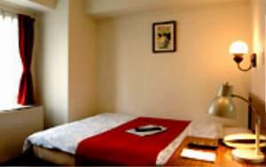 ホテル アクセスイン 新宿:横幅140cmの最高級シモンズベッドでごゆっくりとお休み下さい。