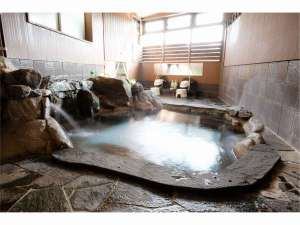 嬉野温泉 ことぶきグローバルイン:源泉かけ流し岩風呂「有明」