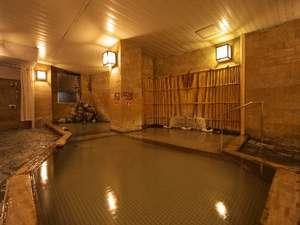 【大浴場】楽々湯其の二…ゆったり入れる内湯には、サウナも備えています。