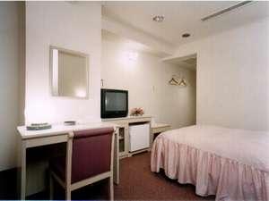 政府登録ホテル白川郷:ゆったりとしたシングルルーム(セミダブルベット120cm)