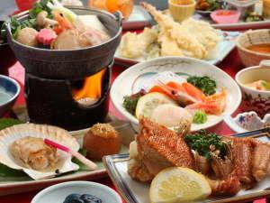 登別カルルス温泉 ホテル岩井:夕食膳9品料理一例です。