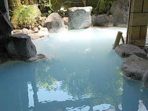 ゆふいん温泉 御宿 一禅:貸切露天風呂:なめらかな泉質は、至福のひとときへと誘います。