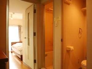 ウィークリーホテル ノースポイント:全室バス、トイレ(ウォシュレット付き)が室内で独立しております。