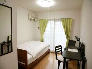ウィークリーホテル ノースポイント:こちらは寝室です。全室インターネット、エアコン完備です。