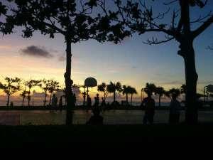 ●アラハビーチの夕日●車で15分