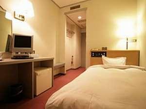 Hotel Sansui:スタンダードシングルルーム:リーズナブルな価格でセミダブルのベッドをご用意。