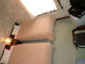 8畳のスタンダードツインルーム