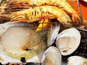 ライズリゾート:海鮮ビュッフェ料理例 海鮮炙り焼きイメージ!(えび・ハマグリ・ホタテ)