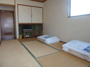 ビジネス旅館たかの家:和室7.5畳3名定員です