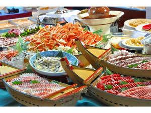 ホテル リステル浜名湖:ディナーバイキング 蟹と鰻が食べ放題です。