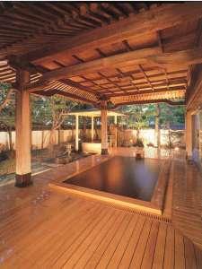 霊泉鷺の湯・大露天風呂