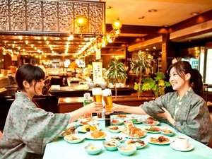 水上ホテル聚楽(じゅらく):選び放題!取り放題!美味しいお料理がいっぱい♪かんぱ~い♪どれから食べようかな?