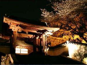 大河ドラマ「平清盛」のロケ地にもなった三井寺。