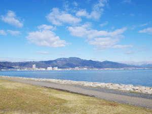 アヤハレークサイドホテル:*早起きして琵琶湖畔をぶらり散歩やジョギングが気持ちいい。。